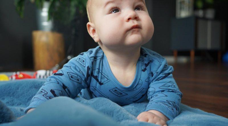 Wyprawka dla dziecka – najważniejsze ubranka noworodkowe